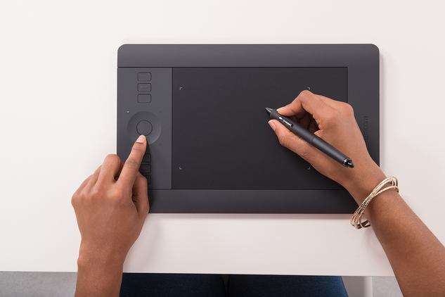 Small Intuos Graphics Pro Creative Pen & Touch Wacom Tablets